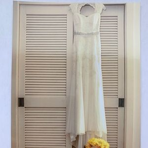 Size 1 David's Bridal Wedding Dress